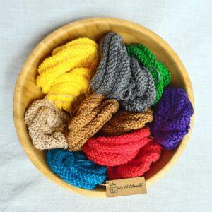 Saladier rempli d'éponge tricotées main 100% coton Oeko Tex