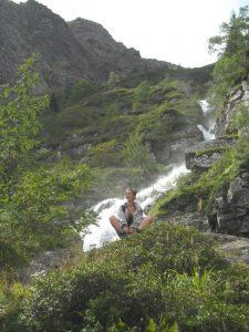 Vu sur la montée vers le lac bleu dans les Pyrénées